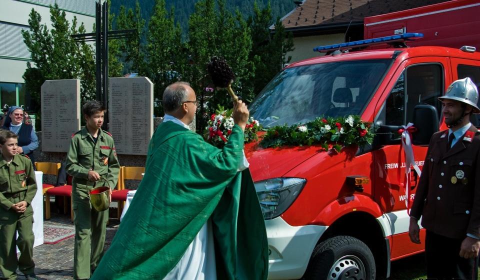 Feuerwehrfest mit Fahrzeugweihe